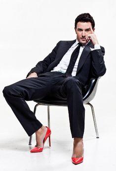 joven & fabuloso magazine: Fashion Trends, Zapatos de tacon para Hombre? Te atreverias?