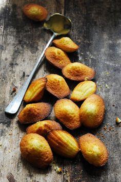 Mais pourquoi est-ce que je vous raconte ça... Dorian cuisine.com: Les classiques du week-end… Les madeleines !