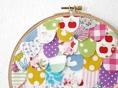 Tutoriale DIY: Cómo hacer un bonito mural con el bastidor de costura vía DaWanda.com
