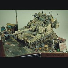 "The Desert Hulk 2.0 1/35 scale.  US M109A6 ""Paladin"" 155mm SPG. By Volker Bembennek.  From: Pinterest  #scalemodel #plastimodelismo #miniatura #miniature #miniatur #hobby #diorama #scalemodelkit #plastickits #usinadoskits #udk #maqueta #maquette #modelismo #modelism"