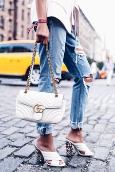 b4ca5a36246 NTFW DAY 2 - SOFT BLAZER   GUCCI GG MARMONT (VivaLuxury). White Bag  OutfitGucci ...