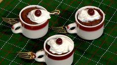 Holiday Chocolate Mug Cake Michael Symon The Chew Microwave Chocolate Mug Cake, Microwave Cake, Chocolate Mug Cakes, Chocolate Recipes, Dessert Chocolate, Microwave Recipes, The Chew Recipes, Mug Recipes, Sweet Recipes