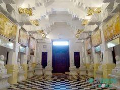 Neuer Altarraum im Zahntempel (Sri Dalada Maligawa) in Kandy, Sri Lanka