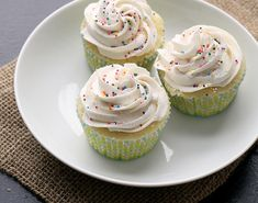 Perfect Vanilla Cupcakes - Joanne Eats Well With Others made with vanilla bean paste