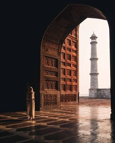 Taj × Human . . . . . . . . . . . . . . . . . . . . . . . . . . . . . . . . . . . . . . . . . . . . #vscoindia #indiaclicks #indiapictures #_soi #travelphotography #architecture #artofvisuals #ig_color #urbex #travel #film #tajmahal #love #vsco #india #beautifuldestinations #mosque #landscape #expofilm #mypixeldiary #portrait #yourshotphotographer