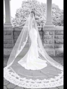 Amazing, beautiful cathedral wedding veil #weddingveil
