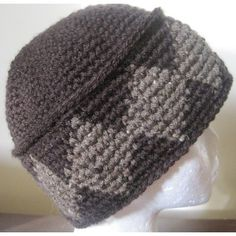 "This is a quick to make hat in single crochet using the Tapestry Crochet technique. 3 sizes are offered, 22, 23, and 24"". You will need approximately 65 g of Main Color and 25 g of a Contrast Color of an aran or worsted weight yarn.For the blue/lime version with smaller diamonds, follow these mods:Small Diamonds VersionUse a multiple of 6 for starting Round 19 so adjust your stitches in Round 18 to get to 72, 78, 84, or 90. For this hat I used 90 st with worsted weight and an H hook for an…"