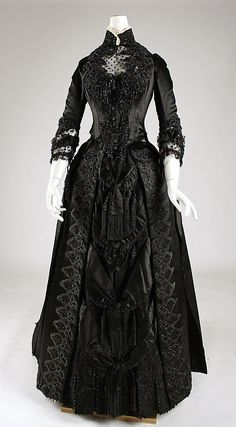 Stunning Gown! Dress,  1887,American, silk, Label: White Howard  Co., 25 W. 16th St., New York.
