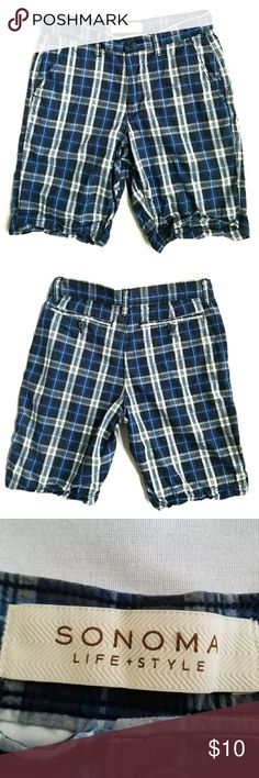 """Plaid Cotton Shorts 30W Men's Sonomaflat-frontplaidshortsfeature4 pockets - two pockets on back are button closure, zipper fly, button closure, and are invery good preowned condition.  All measurements aredone with item laying flat and are of the front of the item only.Measurements may vary by up to 1/2"""".  Waist: 15"""" Hips: 19"""" Rise: 10"""" Thigh: 11"""" Outseam: 19"""" Inseam: 10"""" Leg Opening: 9.5"""" Sonoma Shorts Flat Front"""