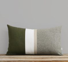 Metallic Gold Stripe Pillow Cover in Olive Green and Cream - Modern Home Decor by JillianReneDecor - Chambray - Colorblock - Cypress Olive Green Couches, Olive Green Decor, Olive Green Bedrooms, Green Sofa, Green Home Decor, Green Pillows, Gold Pillows, Vintage Pillows, Throw Pillows