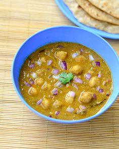 Channa Kurma Recipe - Chickpeas Kurma - Side dish for Roti,Poori Vegetarian Side Dishes, Vegetarian Recipes Easy, Veg Recipes, Cooking Recipes, Recipies, North Indian Recipes, Indian Food Recipes, Ethnic Recipes, Indian Snacks