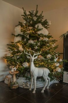 Xmas tree. Enchanted forest. Design by Véronique Jandrin // I like the reindee