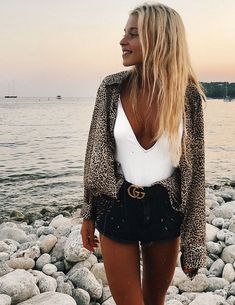 100 Things To Do Before Graduation: A College Bucket List – Outfit Inspiration & Ideas for All Occasions Spring Summer Fashion, Spring Outfits, Trendy Outfits, Cute Outfits, Fashion Outfits, Fashion Trends, Beautiful Outfits, Outfits 2016, Beach Outfits
