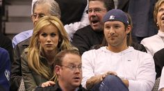 Tony Romo's wife happy to be getting rid of his 'love sack'
