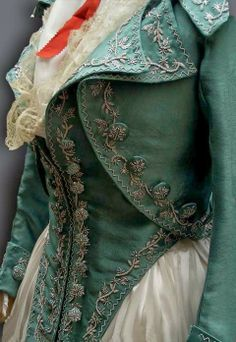 Reproduction of the Kyoto Costume Institute 1790 jacket and gilet, done by Reine des Centfeuilles. I want a costume like this someday! 18th Century Dress, 18th Century Fashion, 19th Century, Steampunk Fashion, Victorian Fashion, Vintage Fashion, Fashion Fashion, Fashion Design, Historical Costume