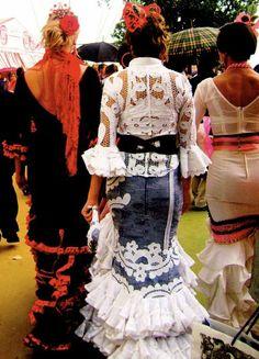 Feria en Sevilla....una día cuándo yo voy a Andalucia! Voy a ir en mi vestido de flamenco!