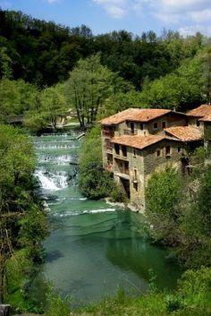 Ciudad medieval de Rupit en Cataluña,