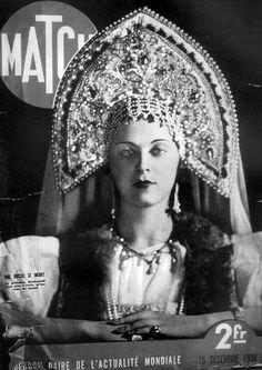 En couverture d'un Paris-Match de décembre 1938, la princesse Guedianov, gagnante d'un concours de Miss Beauté russe.