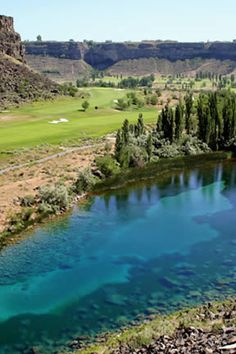 Blue Lakes Country Club on Snake River, Twin Falls (south central).