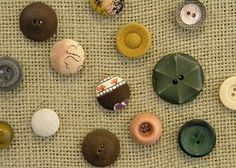 Wouldn't these do it yourself button thumb tacks look fabulous on it? I love Carolyn's idea of using vintage buttons. Upholstery Tacks, Motivational Wall Art, Diy Buttons, Love Craft, Button Crafts, Crafty Craft, Creative Inspiration, Upcycle, Diy Projects