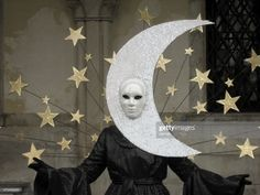 venetian moon and stars mask and black disguise with ancient. Carnival Costumes, Halloween Costumes, Halloween 2019, Apollo And Artemis, Moon Costume, Costume Venitien, Venice Mask, Venetian Carnival Masks, Venice Italy