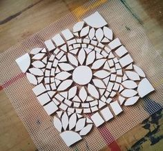 all white mosaic & leave grout out for snow bootsMini mosaic tray made of mosaic tiles.Like this design, could try in colors also - SalvabraniI like this one because I feel the shape is more realistic for ones making a mosaic for the first time. Mosaic Tile Art, Mosaic Pots, Mosaic Artwork, Mosaic Glass, Glass Art, Mosaics, Stained Glass, Mosaic Birdbath, Mosaic Tray