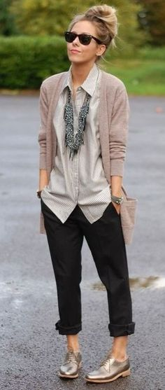 http://hercanvas.com/stylish-and-comfy-outfits/3/