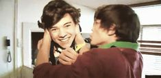 TXF. You know Harry loved it. Look at his face. He's sunshine when Louis touches him. 28