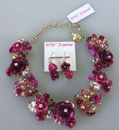 NWT-Betsey-Johnson-In-Love-Pink-Rose-Statement-Necklace-amp-Mismatch-Earrings