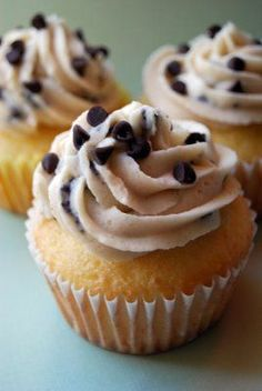 Cookie Dough Cupcakes Repinned by April Lentkowski, Leading Designer Origami Owl, #40135. Visit my fanpage for contests, news and updates! www,facebook.com/OrigamiOwlAprilSki and my website at aprilski.origamiowl.com!!!  < we're beyond happy this exists!
