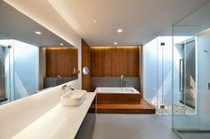 Image 2 of 25 from gallery of Joly House / Stu/D/O Architects. Photograph by Krisada Boonchaleow