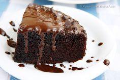 538. Супершоколадный бисквит! Мягкий и воздушный, как кухэ, влажный и шоко-шоко, как Шоколад на кипятке! Понадобится: мука - 1 ст сахар- 1 ст. какао - 0,5 ст. молоко - 1 ст. яйца -2 шт. раст. масло - 50 мл разрыхлитель - 1 пакетик (11 г) - (я брала 1 пакетик на пол порции) ванилин