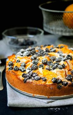Baked mango and blueberries fruit pastry cake Blueberry Fruit, Blueberry Desserts, Poke Cakes, Bundt Cakes, Cake Rolls, Tea Time Snacks, Malaysian Food, Pastry Cake, Creative Cakes