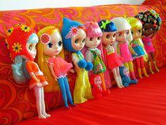 The neon color ladies by Helena / Funny Bunny, via Flickr