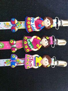Bonecas do 1069, Meninas, bonecas porta chupeta em fimo