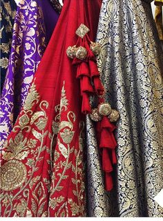 Latkans And Tassels To Personalize The Lehenga! Kurti Designs Party Wear, Kurta Designs, Indian Wedding Outfits, Indian Outfits, Lehenga Blouse, Saree Dress, Blouse Dress, Saree Tassels, Saree Blouse Neck Designs
