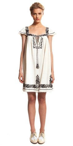 SUNO Floral Embroidery Dress in Ivory with Navy Embroidery
