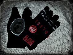 Blood Orange gloves meet Faid pucks