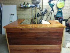 20140529 114841 600x450 3 Pallet Bar in pallet kitchen  with pallet bar