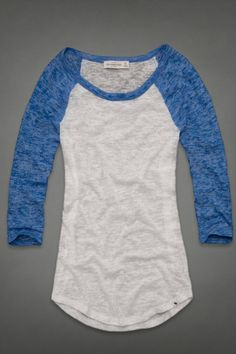 I always love baseball tees! This Elsie Tee is perfect to pair with a comfy pair of sweatpants and chill out in. Pretty Outfits, Cool Outfits, Summer Outfits, Casual Outfits, Fashion Outfits, Womens Fashion, Chill, Sweatpants, Clothes For Women