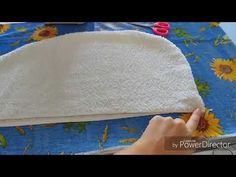 En este tutorial explico como hago yo esta bella blusa con mangas, a crochet, paso a paso. Cheap Hobbies, Hobbies For Men, Baby Dress Patterns, Youtube, Sewing, Jogging, Key, Feltro, Costumes