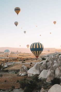 One of many great free stock photos from Pexels. This photo is about hot air balloons, mountain, outdoors Indoor Photography, Travel Photography, Scenery Photography, Landscape Photography, Ballons Fotografie, Nikon D5200, Travel Aesthetic, Hot Air Balloon, New Wall