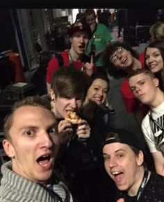 This is at minecon 2015 and the youtuber a in the photo are gizzy gazza stampy stampy l for leee dantdm squash quack that is all the youtubers are  but I hope you like it