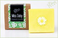 "Naturseife ""Miss Daisy""  von Eve Butterfly Soaps auf DaWanda.com"