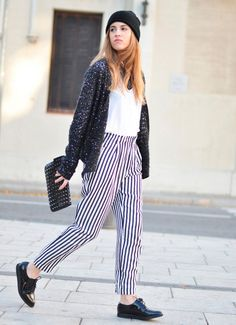 Discover and organize outfit ideas for your clothes. Decide your daily outfit with your wardrobe clothes, and discover the most inspiring personal style Casual Chic, Androgynous Fashion Tomboy, Colored Pants, Facon, Black White Stripes, Get Dressed, Hippy, Beautiful Outfits, Fashion Forward