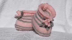 Etsy - Shop for handmade, vintage, custom, and unique gifts for everyone Gris Rose, Baby Shoes, Etsy, Vintage, Clothes, Fashion, Knitted Slippers, Flower, Fashion Styles