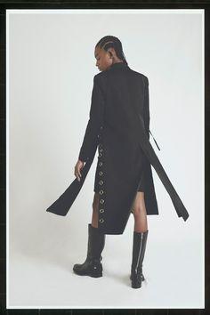 http://www.vogue.com/fashion-shows/resort-2018/alyx/slideshow/collection