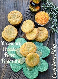 Rosemary Cheddar Beer Biscuits- we should make these to go with dinner tomorrow night! Savoury Biscuits, Savory Scones, Savory Muffins, Savoury Baking, Savoury Recipes, Beer Biscuit Recipe, National Cheese Lovers Day, Chicken And Beef Recipe, Cheese Day
