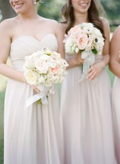 Beautiful bridesmaids: http://www.stylemepretty.com/little-black-book-blog/2015/01/08/hint-of-glamour-st-louis-wedding/ | Photography: Lisa Hessel - http://lisahesselphotography.com/