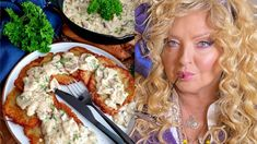 Placki ziemniaczane to jedno z najsmaczniejszych polskich dań. Każda babcia ma swoją własną recepturę, która przechodziła z pokolenia na pokolenie. Magda Gessler postanowiła zdradzić nam, jak ona radzi sobie z przygotowaniem tego chrupiącego dania. Placki ziemniaczane Magdy Gessler to niebo w gębie. Są proste i niesamowicie smaczne! Paella, Ethnic Recipes, Food, Essen, Meals, Yemek, Eten